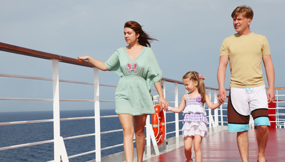 family-cruising-holiday