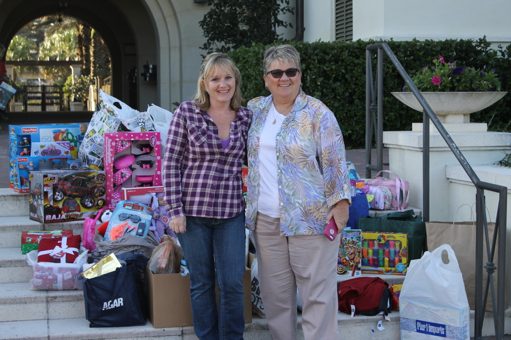 Helping Hands of Nocatee toy drive