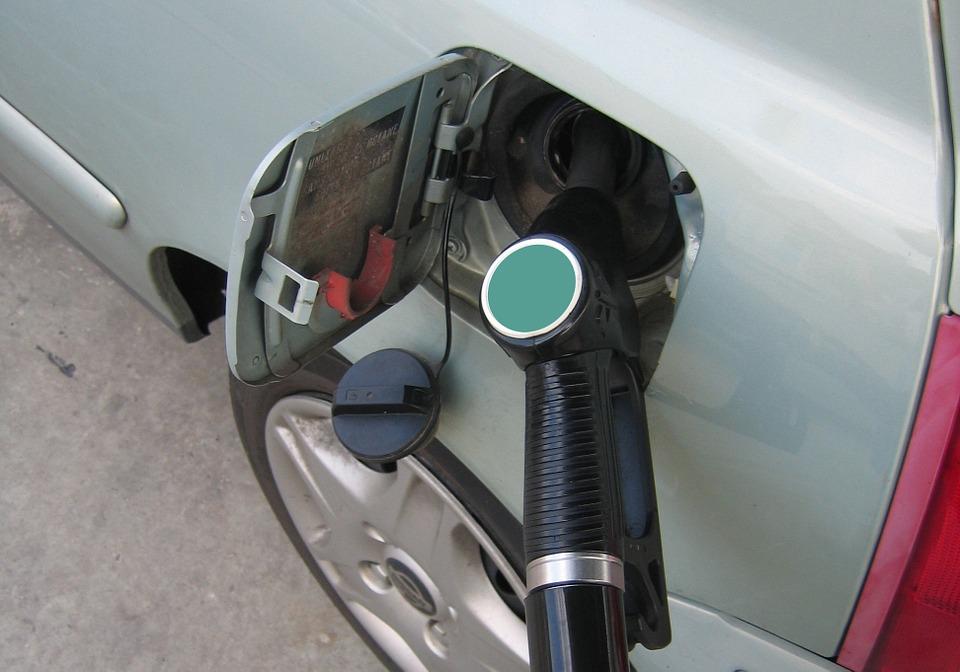 petrol-162948_960_720