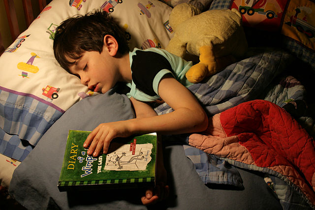 640px-Bedtime_reading